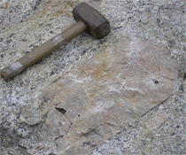 Photo: K-feldspar in pegmatite from Vlastějovice (CZ)
